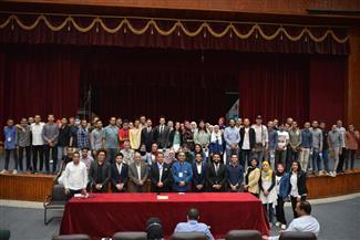 نائب رئيس جامعة أسيوط يشهد انطلاق برنامج إعداد القادة لطلاب الجامعة| صور
