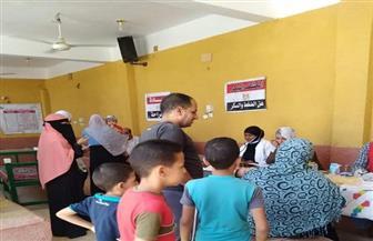 الكشف على 1127 مواطنا فى قافلة طبية مجانية بصحارى أسوان| صور