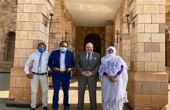 السفير المصري بالسودان يلتقي بوالية الولاية الشمالية