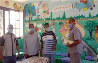 لجنة المرور والمراجعة البيئية بالقصير تواصل أعمالها بمدارس قرية الحمراوين | صور