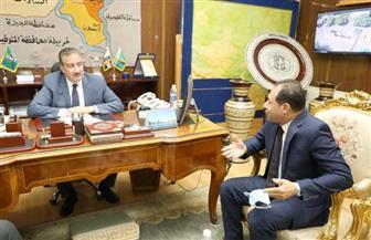 محافظ المنوفية يلتقي ممثل وزارة التنمية المحلية لمتابعة مشروعات الرصف