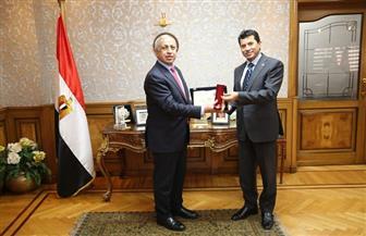 وزير الرياضة يبحث التعاون الثنائي مع رئيس الأكاديمية العربية للعلوم والتكنولوجيا   صور