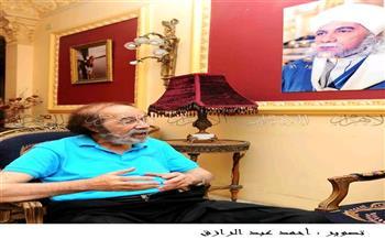 """"""" بوابة الأهرام """" تنشر 60 صورة نادرة  للفنان الراحل محمود ياسين"""