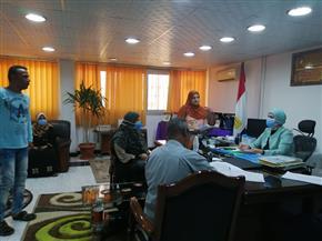 رئيس مدينة سفاجا تبحث 25 شكوى خلال لقاءاتها بالمواطنين