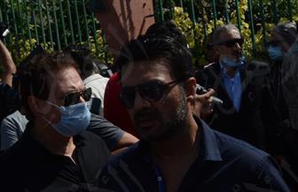 تشييع جنازة محمود ياسين بحضور عائلته وحسين فهمي والنبوي والعلايلي | صور