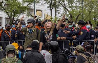 """الاعتداء على """"موكب الملكة"""" يثير أزمة بين الحكومة والمتظاهرين في تايلاند"""