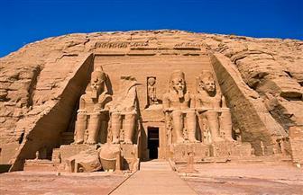 تعامد الشمس على وجه رمسيس الثاني بمعبد أبو سمبل الكبير.. الخميس