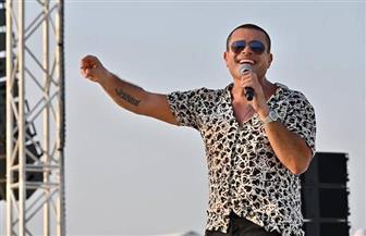 سفير الصين: عمرو دياب فناني المفضل و«وحشتيني» نغمة موبايلي.. والهضبة يرد: مسئولية كبيرة | صور