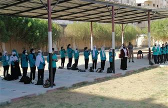 بدء الدراسة في 243 مدرسة وسط إجراءات احترازية شديدة بالبحر الأحمر | صور