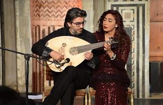 ثنائي العود دينا عبدالرحمن وغسان اليوسف يحضران لمفاجأة في حفلهما.. الخميس