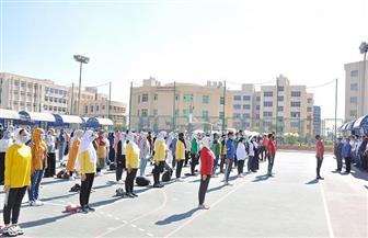 """طلاب جامعة كفر الشيخ يؤدون """"تحية العلم"""" بمشاركة رئيس الجامعة   صور"""
