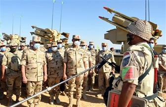 رئيس الأركان يشهد المرحلة الأولى لإجراءات تفتيش الحرب بالجيش الثالث الميداني
