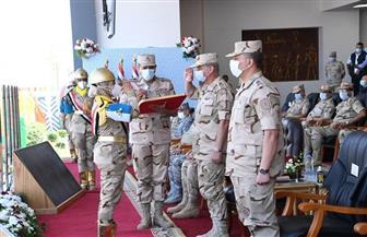 وزير الدفاع يشهد الاحتفال بتخريج دفعات جديدة من المعاهد الصحية| صور