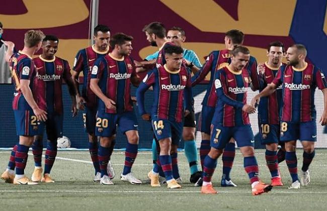برشلونة يطرح قميصه الاحتياطي في الإمارات