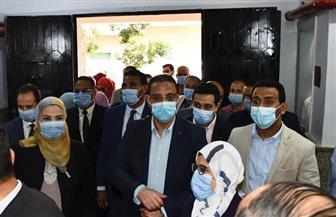 وزيرة التضامن ومحافظ الفيوم ورئيس الجامعة يفتتحون مركز علاج الإدمان | صور