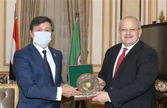 الخشت يستقبل سفير أوزباكستان ويناقش سبل التعاون العلمي بين جامعة القاهرة والجامعات الأوزباكستانية صور