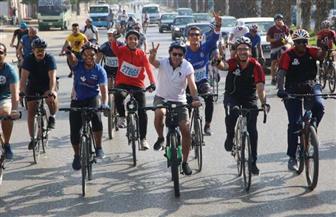 من التحرير للأهرامات.. وزير الشباب والرياضة يقود ماراثون الدراجات بين المتحفين القديم والجديد| صور
