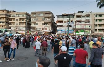 أهالي دمياط يحتفلون بنصر أكتوبر بمسيرات وصلت لميدان الساعة   صور