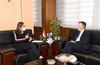 السفير البريطاني بالقاهرة يشيد بإصدار مصر سندات سيادية خضراء | صور