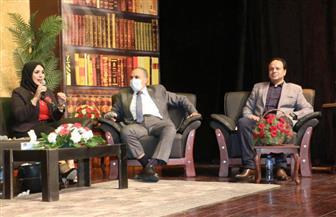 بمشاركة رئيس مجلس إدارة الأهرام.. استنهاض روح أكتوبر ومناقشات فكرية بملتقى الهناجر | صور