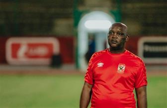 «موسيماني» يعقد محاضرة مطولة مع لاعبي الأهلي