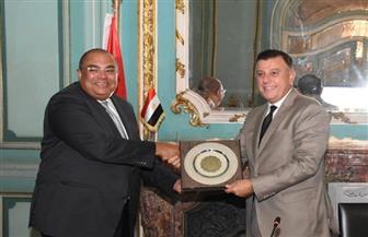 رئيس جامعة عين شمس يكرم محمود محيي الدين لتوليه منصب المدير التنفيذي لصندوق النقد الدولي| صور