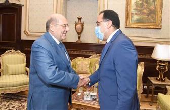 مدبولي يهنئ عبد الوهاب عبد الرازق برئاسة مجلس الشيوخ| صور