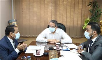 العناني يناقش مع رئيس المركزي للتنظيم والإدارة ملف دمج وزارة السياحة والآثار