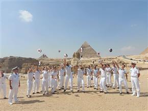 فرقة الموسيقى التراثية للبحرية الفرنسية تقدم عروضا بالمناطق الأثرية والسياحية| صور