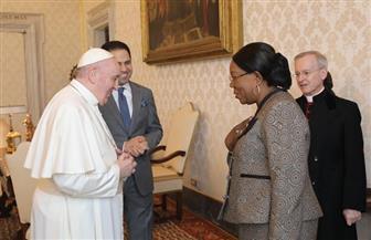 أعضاء لجنة تحكيم زايد للإخوة الإنسانية يلتقون البابا فرنسيس | صور