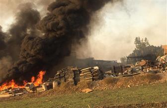 «الحماية المدنية» تحاول السيطرة على حريق بشونة خردة بطريق زفتى | صور