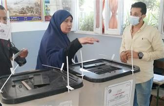 إقبال على التصويت داخل لجنة مدرسة أبو الهول القومية بالجيزة | صور