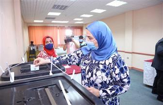 وزيرة التضامن تدلي بصوتها في انتخابات مجلس النواب | صور