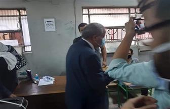 وزير التموين يدلي بصوته في مدرسة الأورمان بالعجوزة
