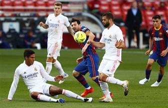 فالفيردي وفاتي يحسمان التعادل في الشوط الأول بين برشلونة وريال مدريد
