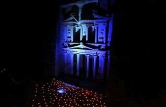 إضاءة مبان تاريخية باللون الأزرق احتفالا بالذكرى الـ75 لإنشاء الأمم المتحدة في مصر والأردن صور