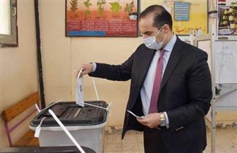 """الأمين العام لـ""""البرلمان"""" يدلي بصوته في انتخابات مجلس النواب"""