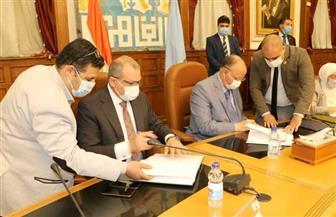 محافظ القاهرة يوقع عقد تطوير منطقة الطيبي بالسيدة زينب | صور