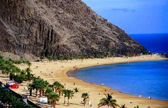 عودة السائحين إلى جزر الكناري رغم انتشار فيروس كورونا في إسبانيا