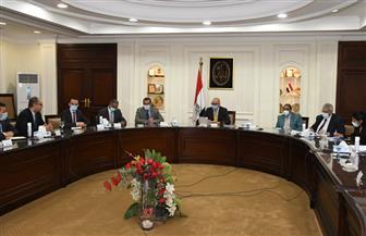 وزير الإسكان يستعرض مخطط تنمية المرحلتين الثانية والثالثة بالعاصمة الإدارية