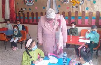 وكيلة التعليم بكفر الشيخ تتفقد مدرسة علي عبد الشكور وتتابع تسليم التابلت | صور