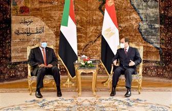 المتحدث الرئاسي ينشر صور استقبال الرئيس السيسي لرئيس مجلس السيادة السوداني
