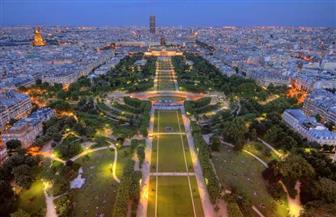 متحدث باسم الشرطة الفرنسية: إخلاء منطقة برج إيفل بعد العثور على حقيبة مليئة بالذخيرة