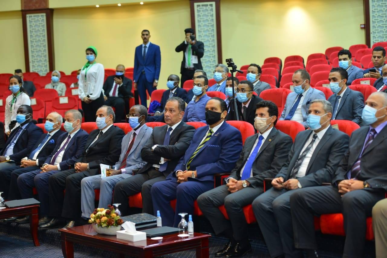 وزير الرياضة يستعرض التجربة المصرية لعودة النشاط الرياضي في ظل «كورونا»