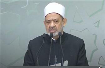 """الإمام الأكبر يتخلى عن """"دبلوماسيته"""" ويوجه 10 رسائل قوية إلى وزير الخارجية الفرنسي"""
