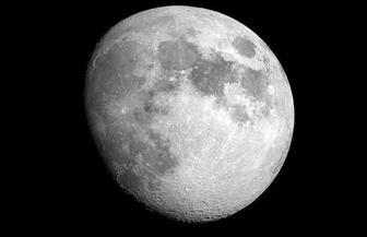 الجمعية الفلكية بجدة: ترقبوا اقتران القمر بالمريخ غدا الخميس بعد الغروب