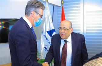 مدير مكتبة الإسكندرية يستقبل السفير البريطاني لبحث التعاون | صور