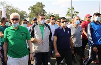 وزير الشباب والرياضة يشارك بمهرجان للمشي بالإسماعيلية | صور