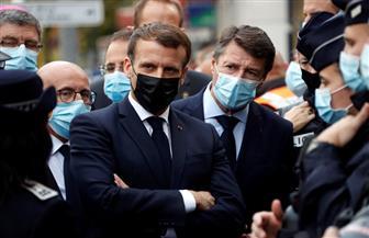 ماكرون: فرنسا تتعرض للهجوم ونشر قوات لتعزيز حماية أماكن العبادة
