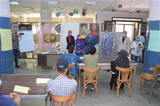 «حدد فكرة مشروعك» دورة تدريبية بمركز الحرف اليدوية والبيئية بجامعة سوهاج | صور